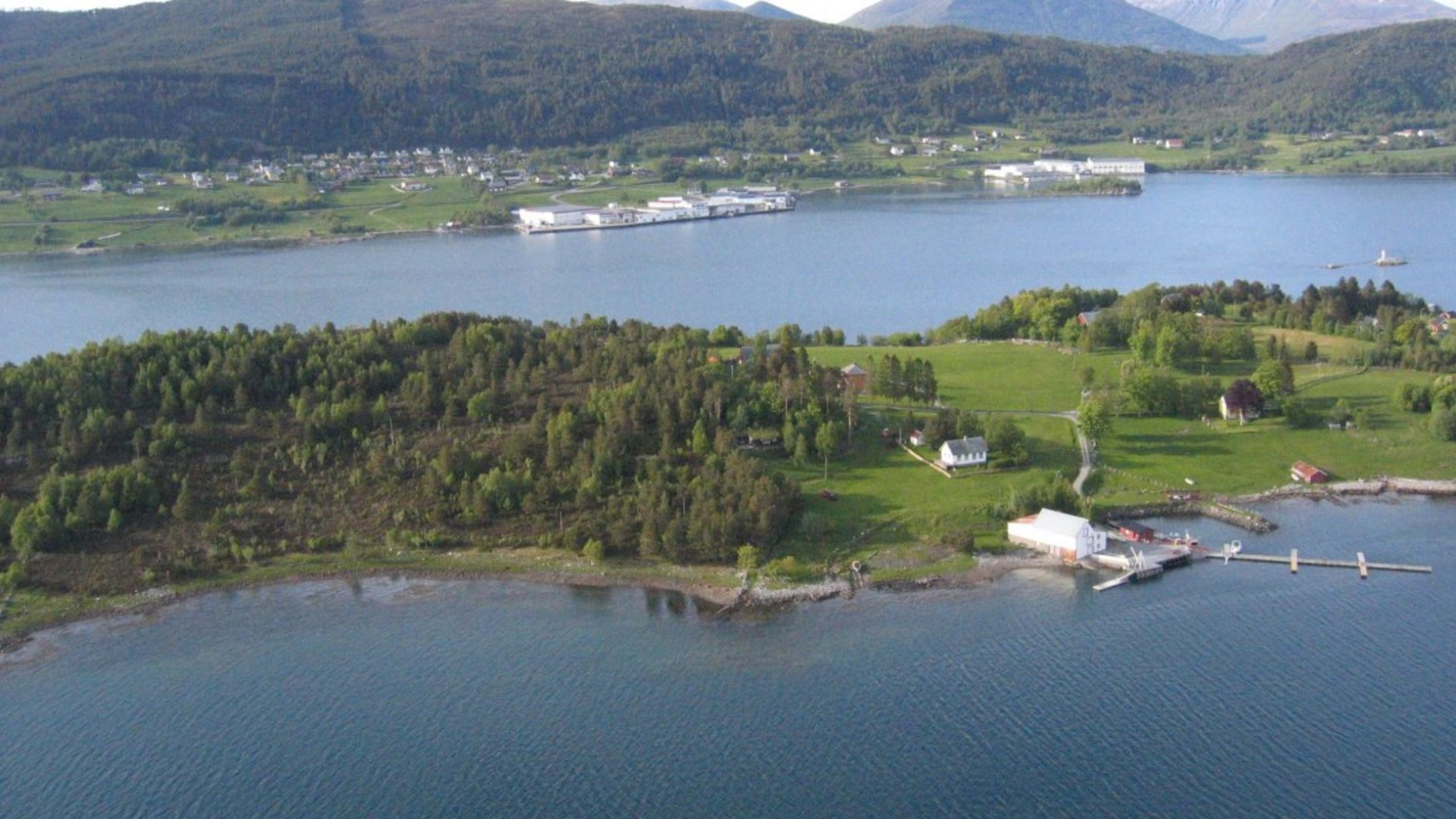 Lille Kalvøy Fjordhütten